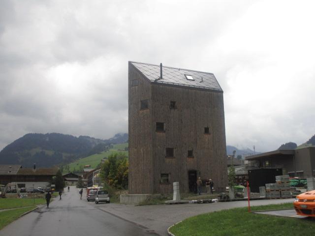 181004-04