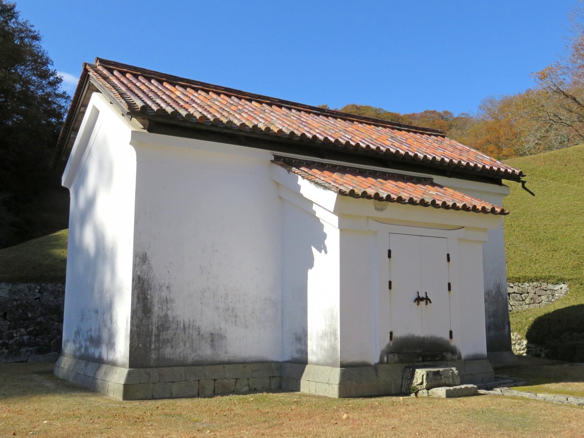 蔵 漆喰の壁 漆喰